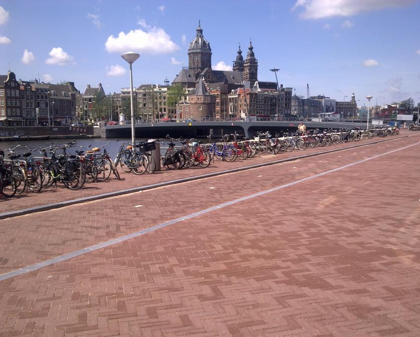 Bestratingswerkzaamheden in Amsterdam, uitgevoerd door Germieco